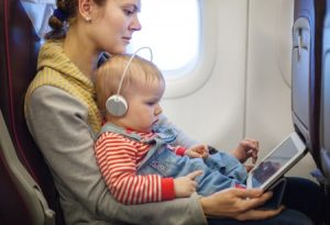 kid and mom travel